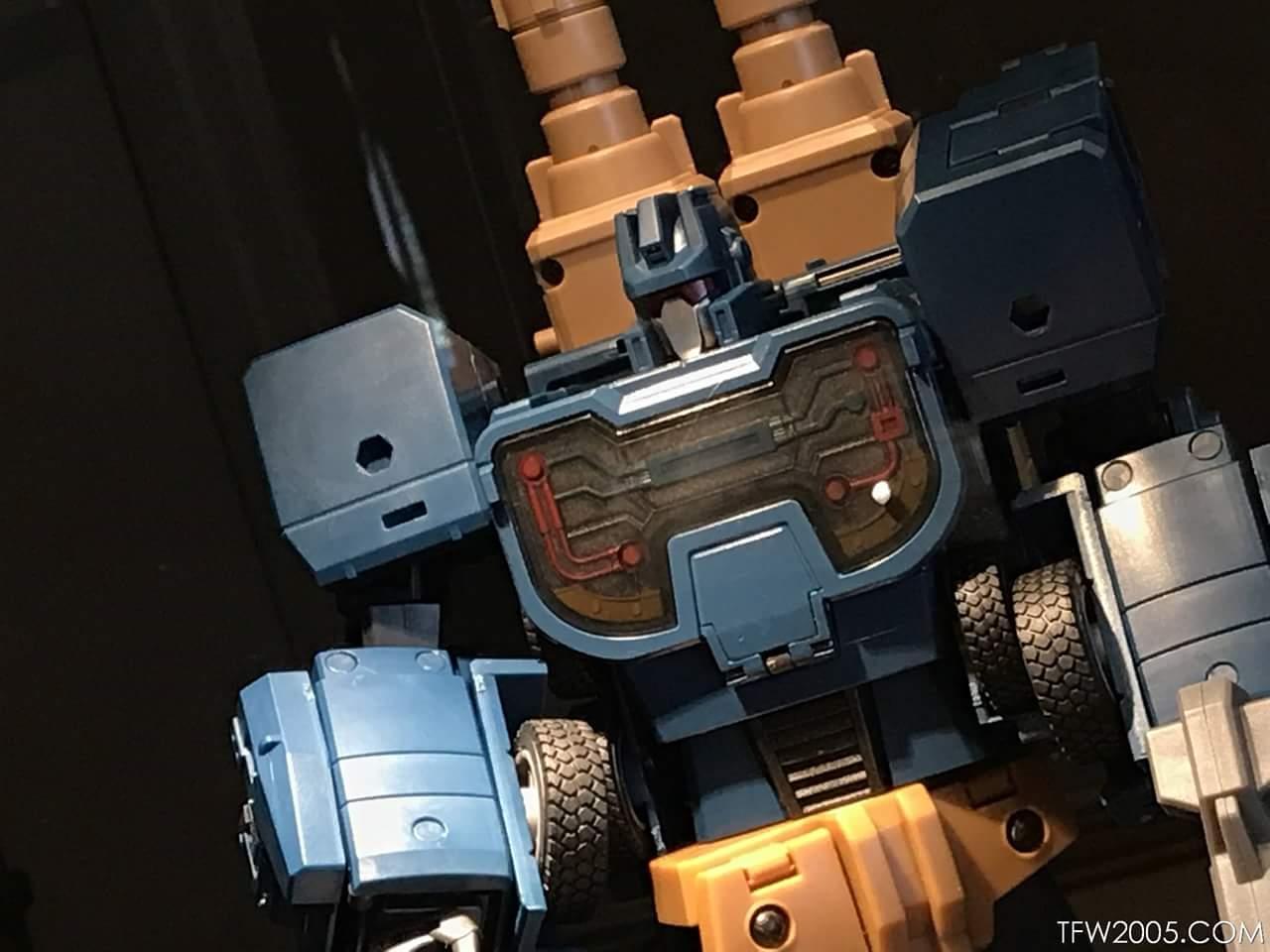 [Zeta Toys] Produit Tiers - Armageddon (ZA-01 à ZA-05) - ZA-06 Bruticon - ZA-07 Bruticon ― aka Bruticus (Studio OX, couleurs G1, métallique) - Page 5 DroHHWCf_o