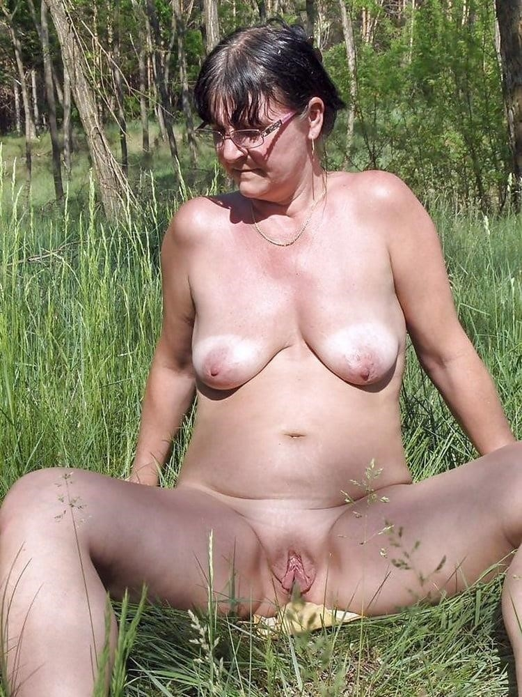 Naked wife in the woods-4310