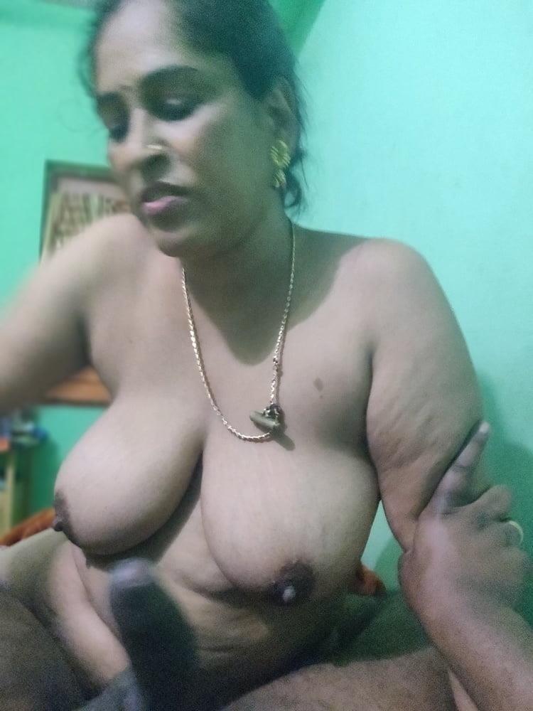 Reshma aunty nude-5717