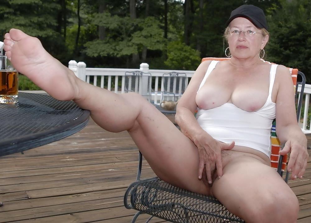 Chubby mature granny-2397