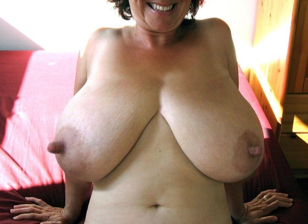 Sucking huge nipples-4663