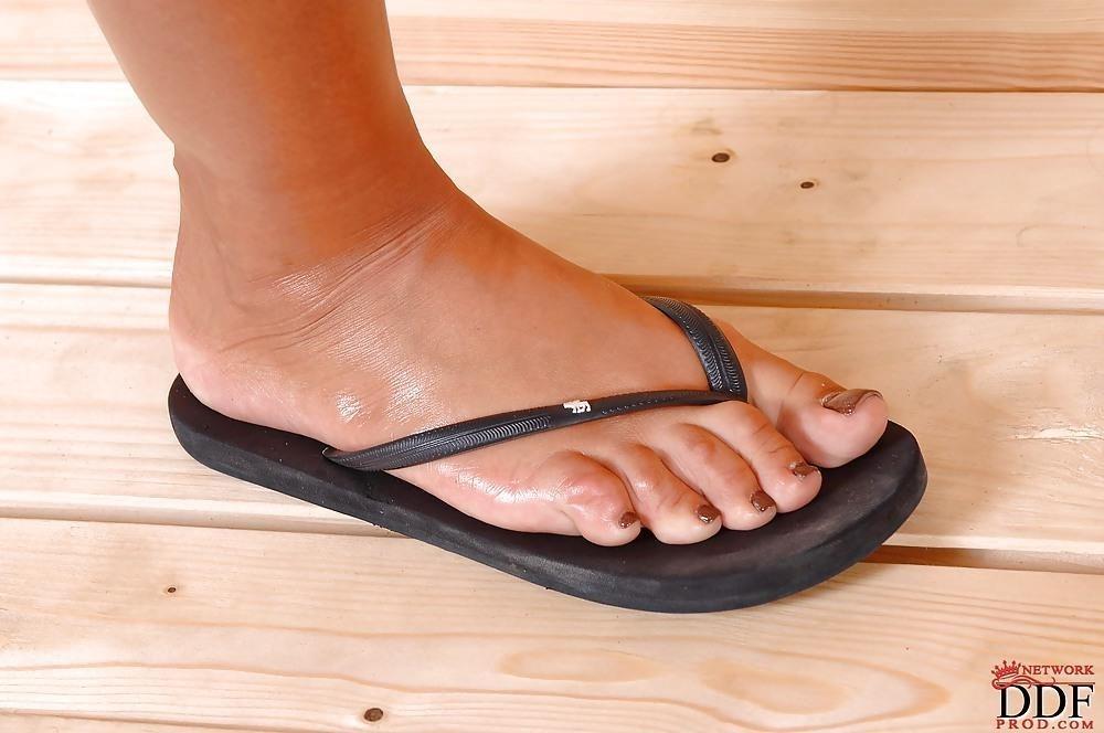 Angelica heart feet-4715