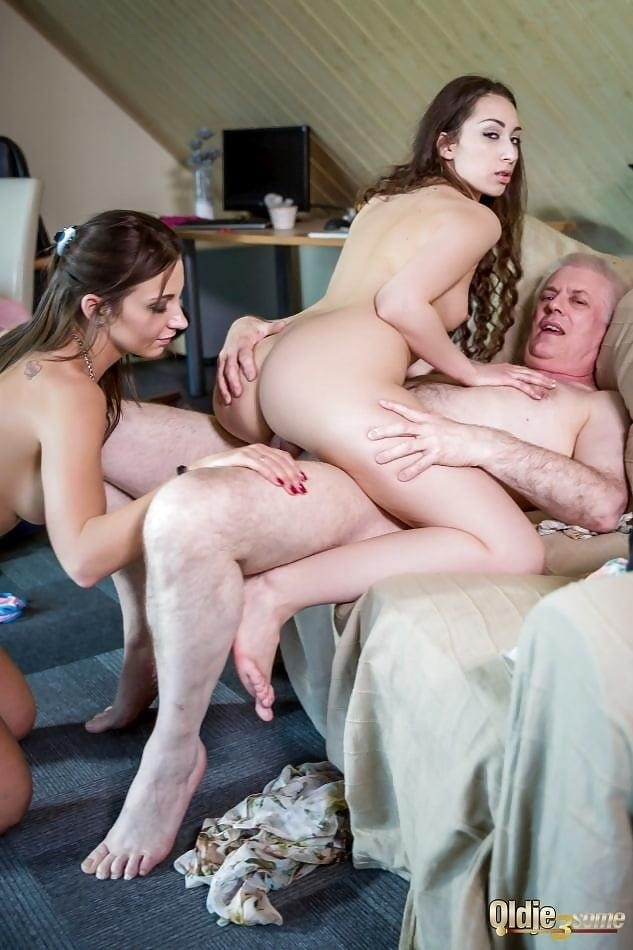 Threesome sex two girls-7984