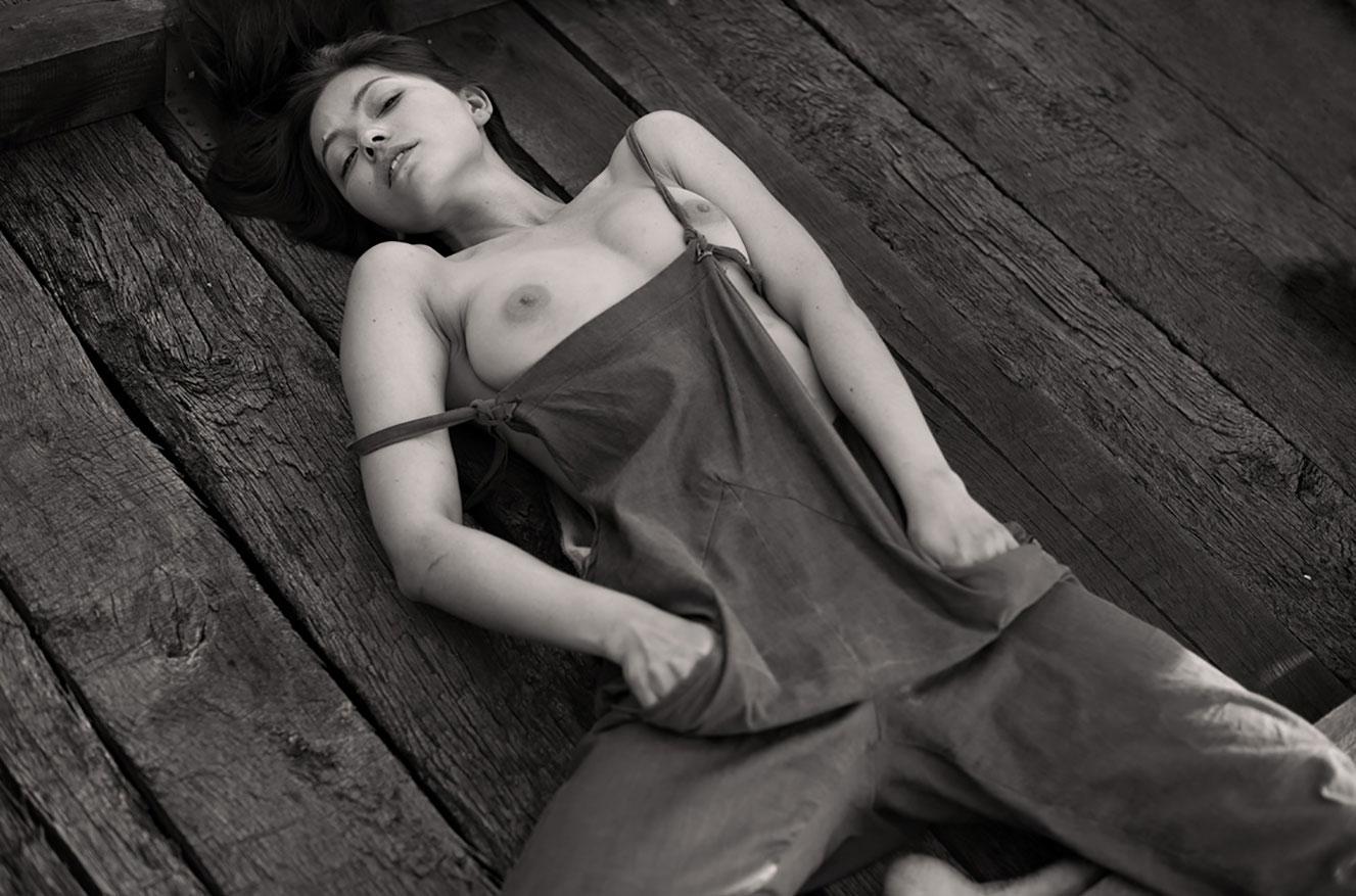 Алина Небула топлес / фото 11