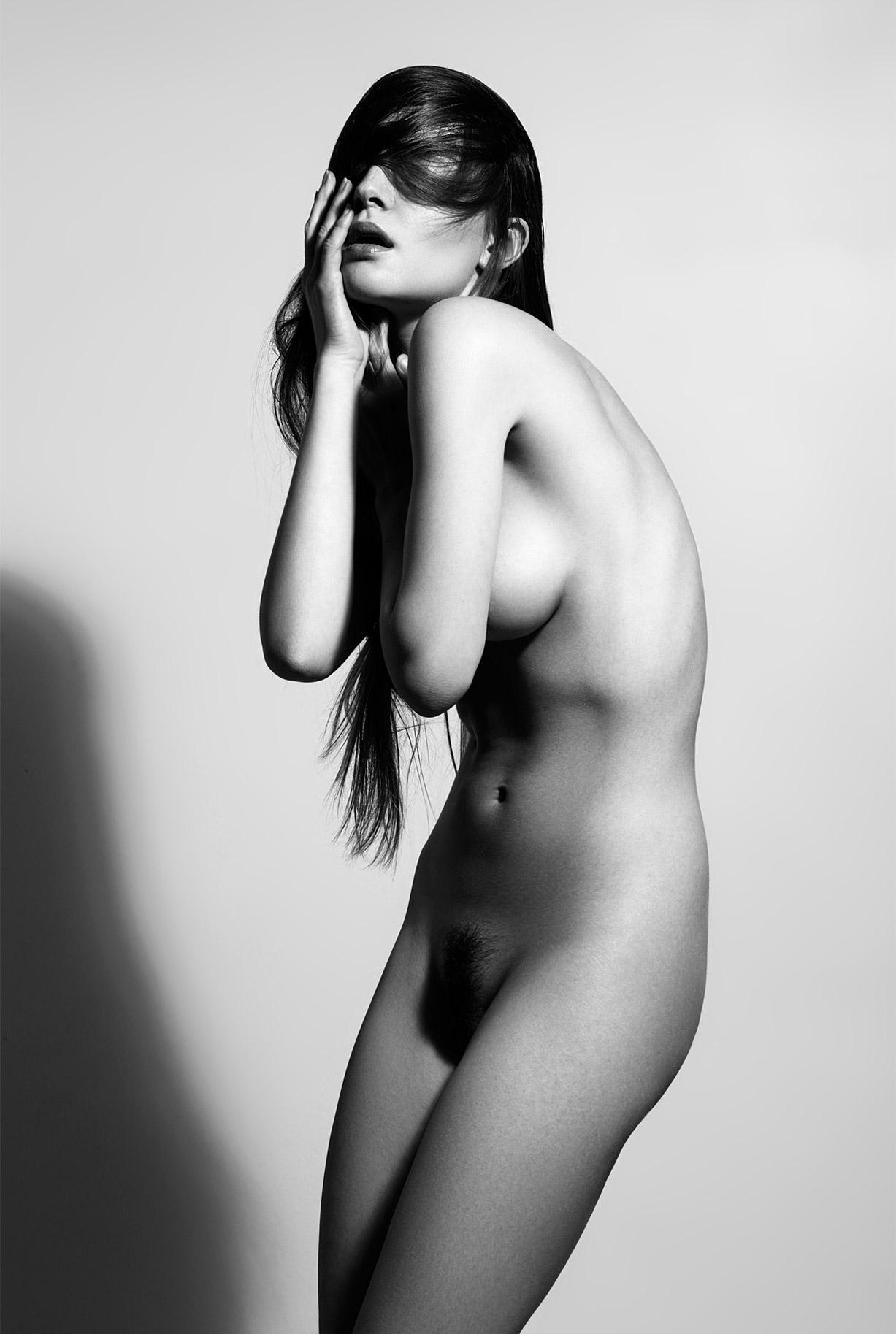 сексуальные голые девушки на снимках фотографа Бенджамина Вингрифа / фото 01
