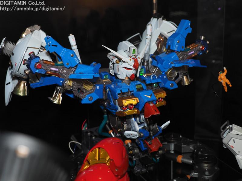 Nu Gundam Bust Display (Formania EX / Bandai) - Page 3 Zo9yrklb_o