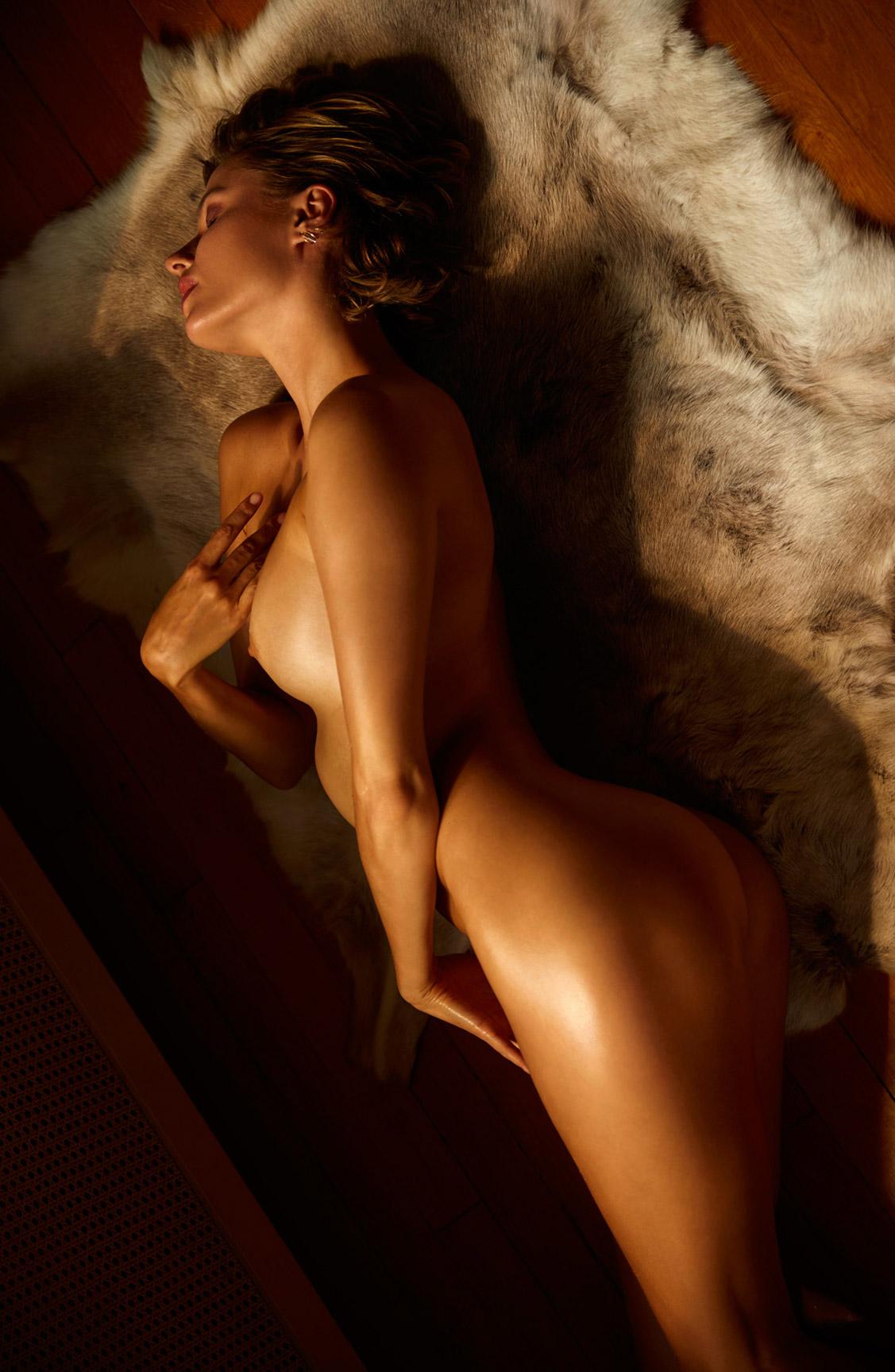голая Ольга де Мар после наступления темноты / фото 19