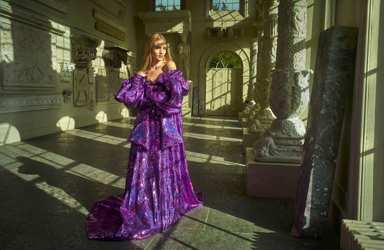 Royal Par Excellence / Rosie Huntington-Whiteley by Mariano Vivanco / Harpers Bazaar Arabia april 2018
