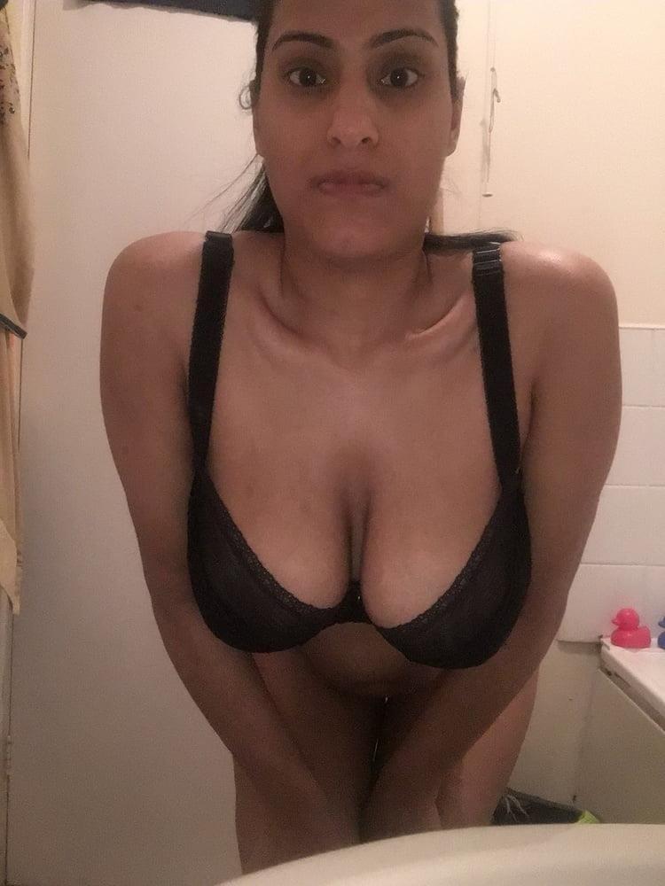 Busty nude selfie-7031