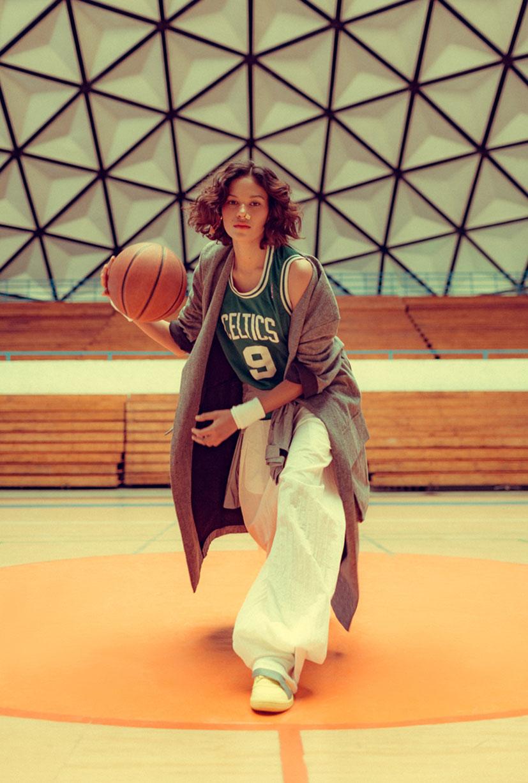 симуляция баскетбола НБА в исполнении фотомодели Синди / фото 06