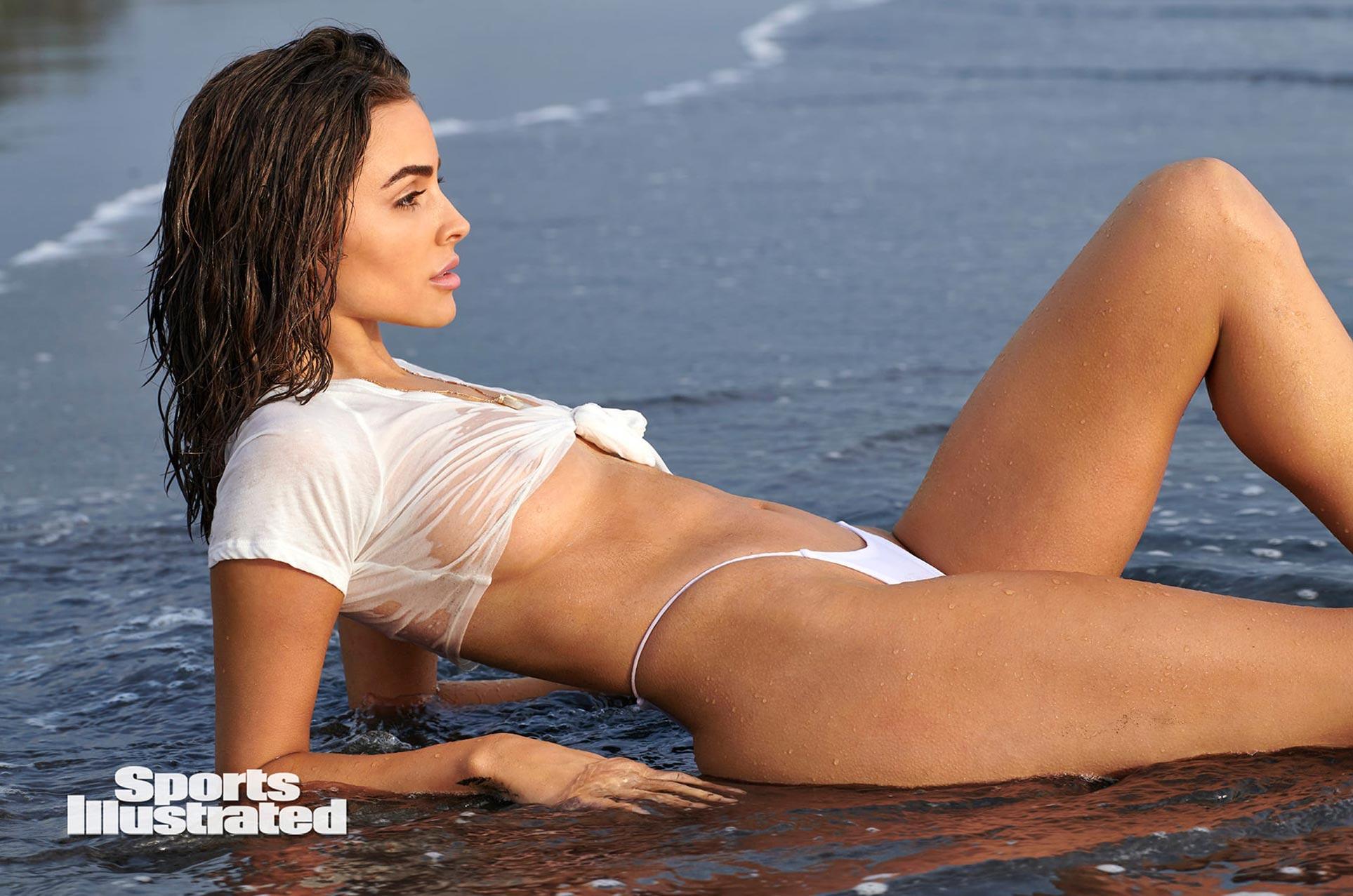 Оливия Калпо в каталоге купальников Sports Illustrated Swimsuit 2020 / фото 19