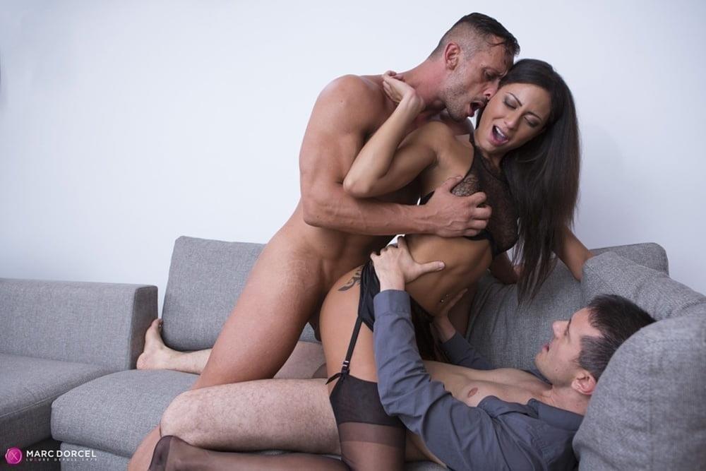 Kissing hot babe-6481