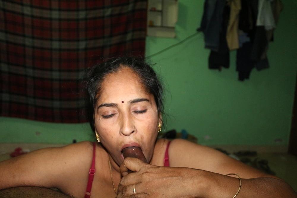Reshma aunty nude-8414