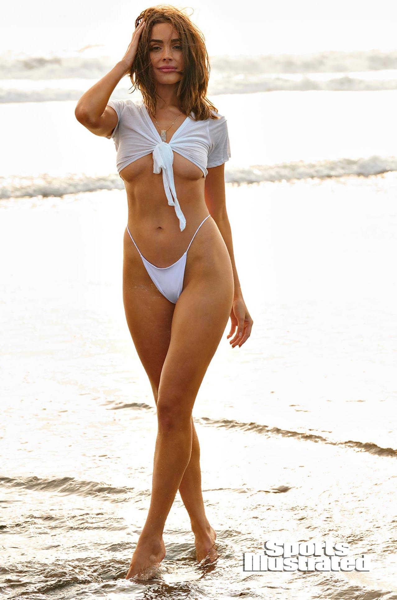 Оливия Калпо в каталоге купальников Sports Illustrated Swimsuit 2020 / фото 17