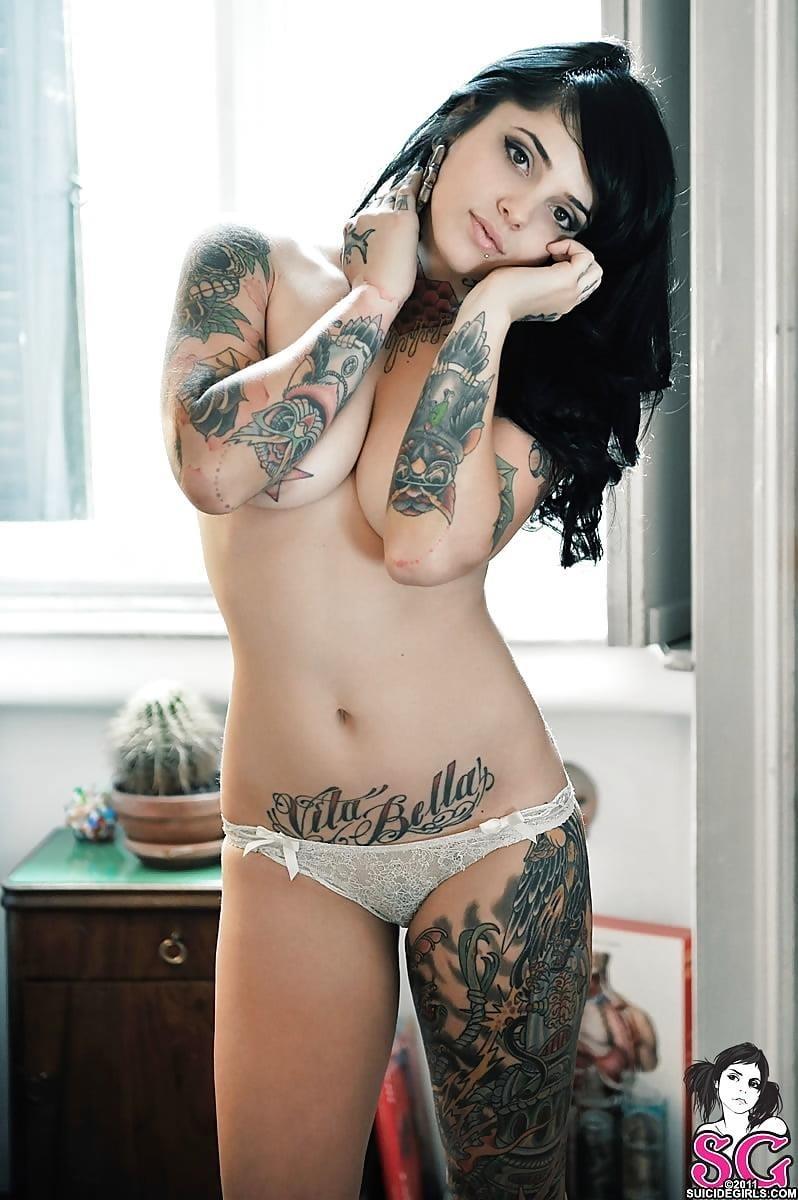Sexy tattoo girls nude-8402