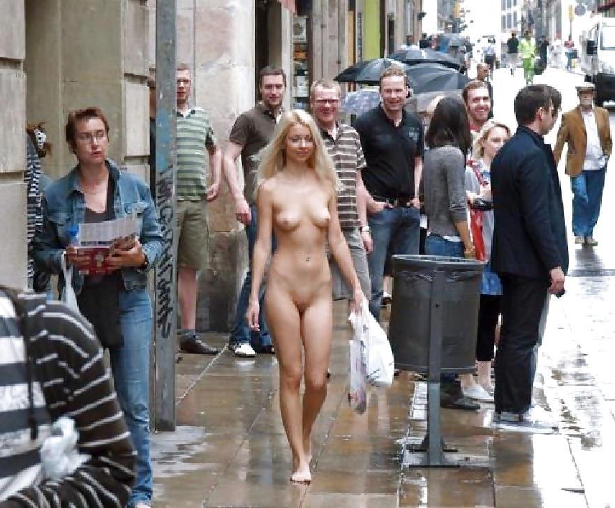 Amateur women naked in public-6024