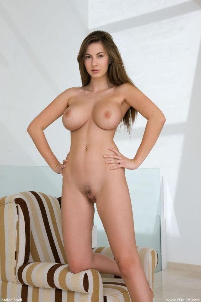 Nude girls with pretty feet-6203