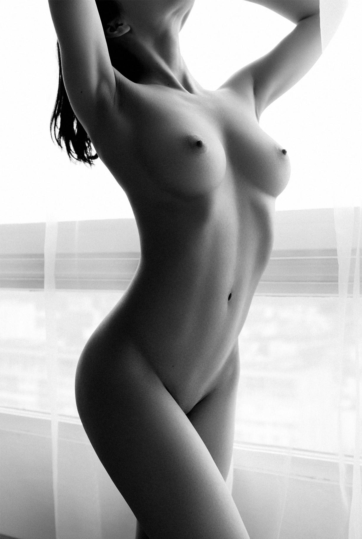 сексуальные голые девушки на снимках фотографа Бенджамина Вингрифа / фото 12