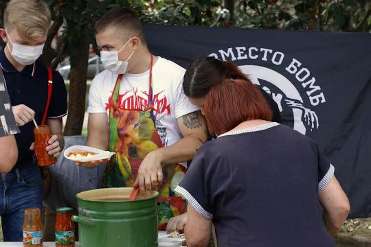 В макароны добавляют фасоль с овощами