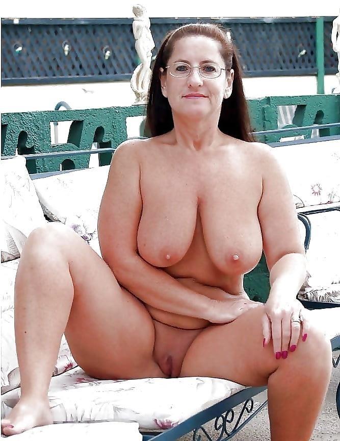Beautiful naked mature men-1147