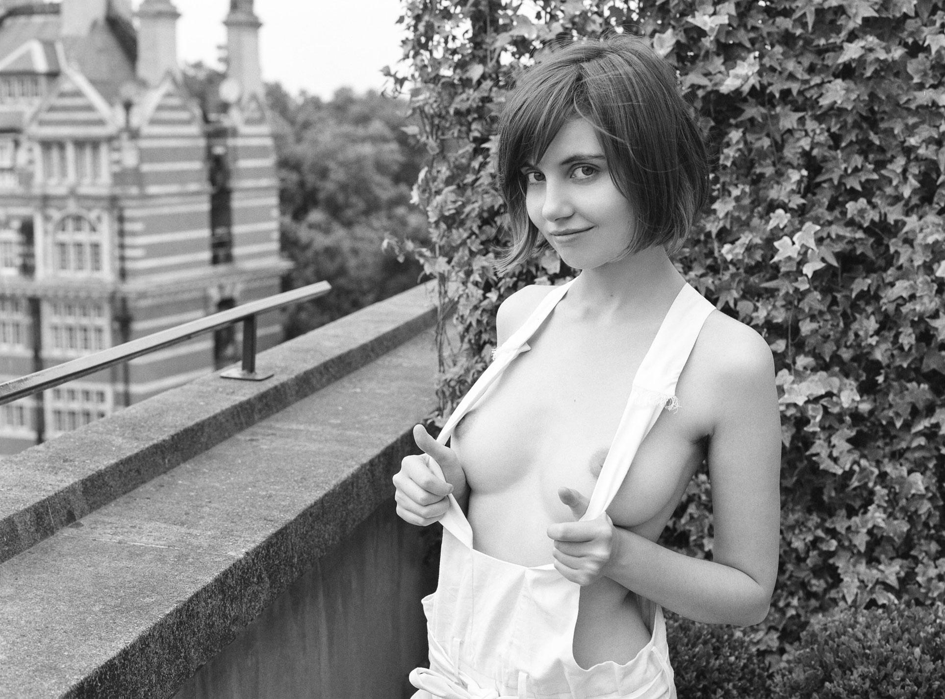 подборка фотографий сексуальных голых девушек - Liara Roux