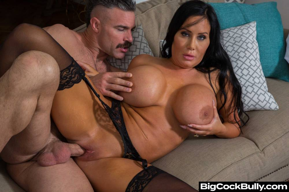 Sybil Stallone, Charles Dera – Big Cock Bully – Naughty America