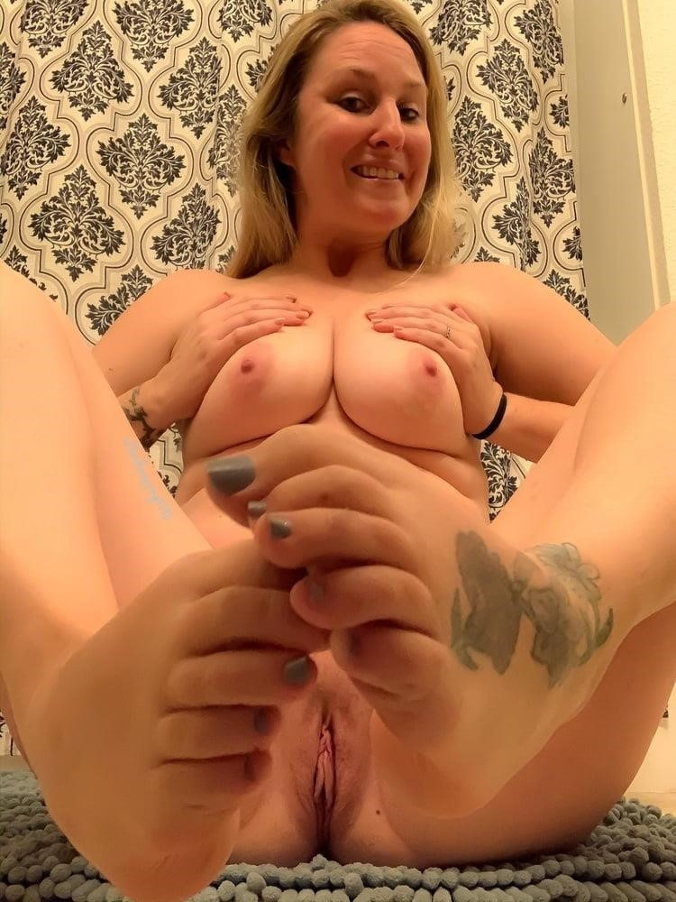 Curvy blonde milf pics-7489