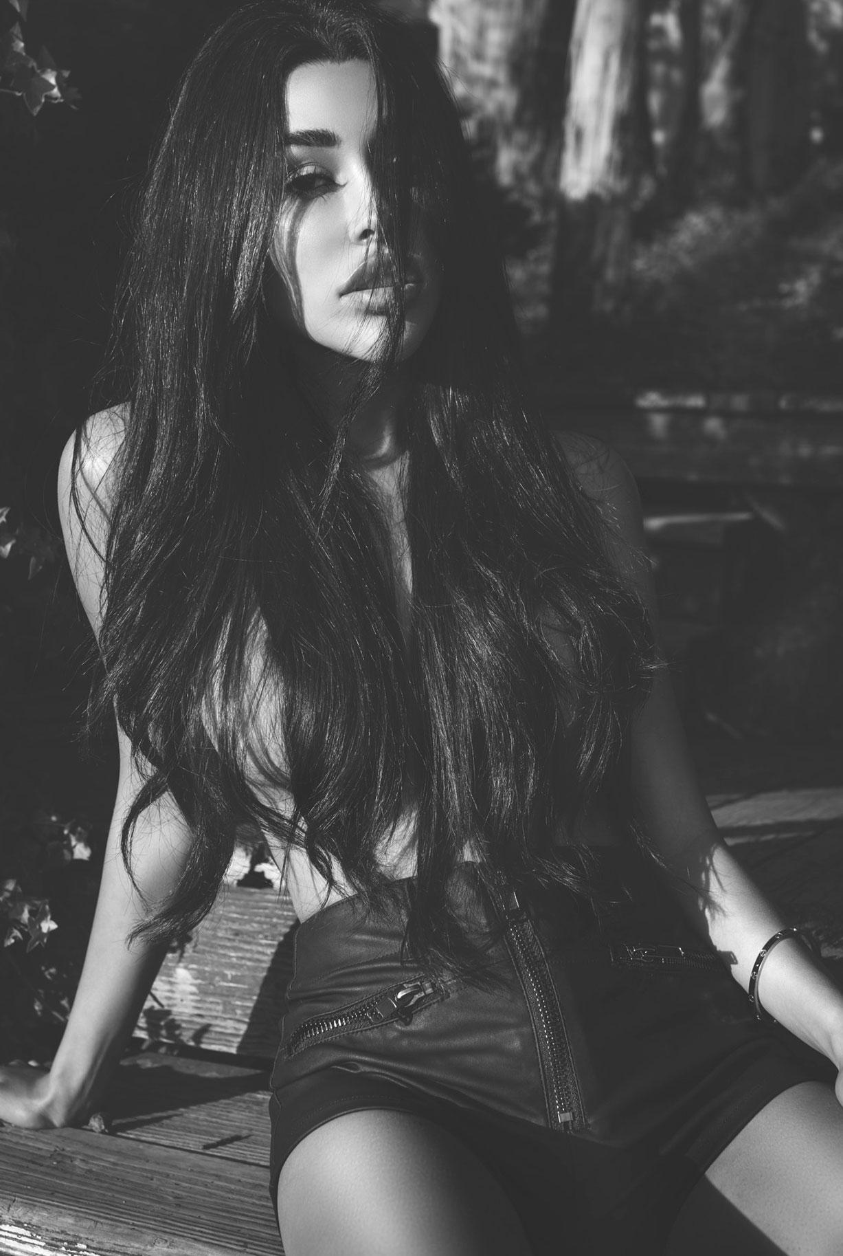 ливанская фотомодель Соня Круз, фотограф Кристос Сьюэлл / фото 05