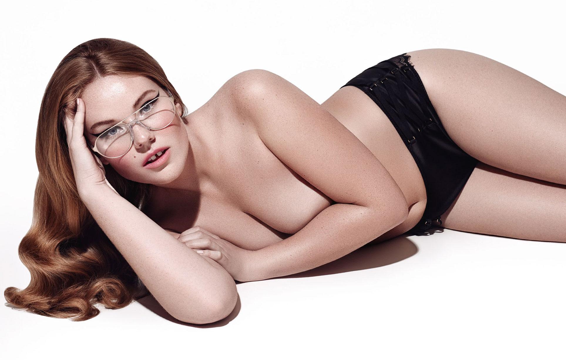 Голые девушки в очках / фото 04