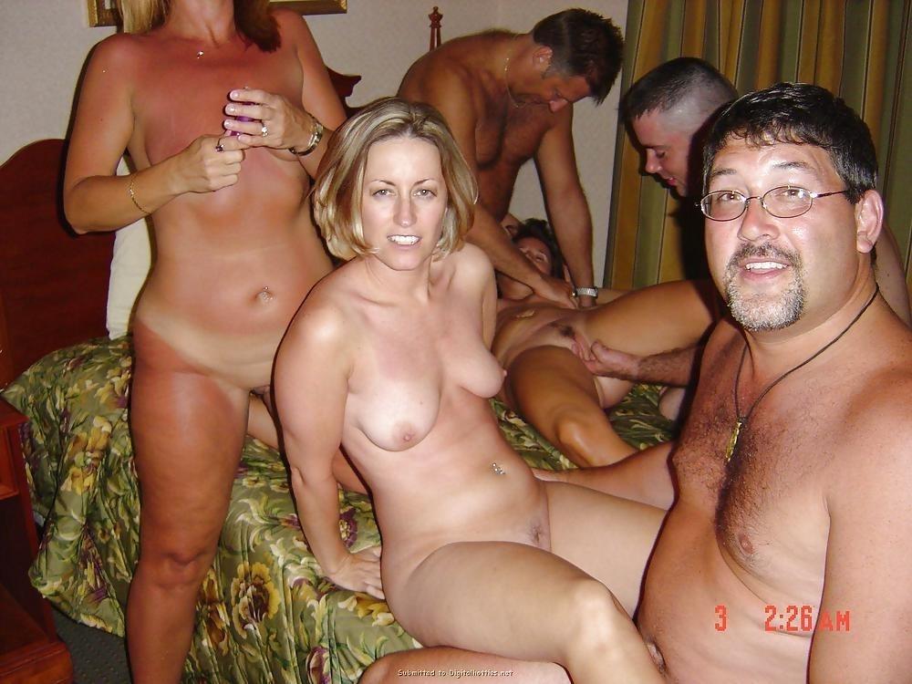 Party sex lesbian-2151