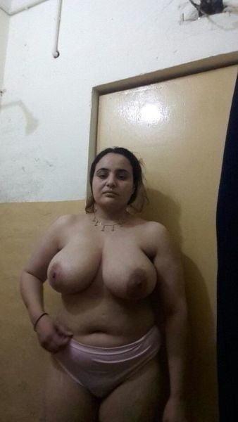 Big boobs lady pic-3147