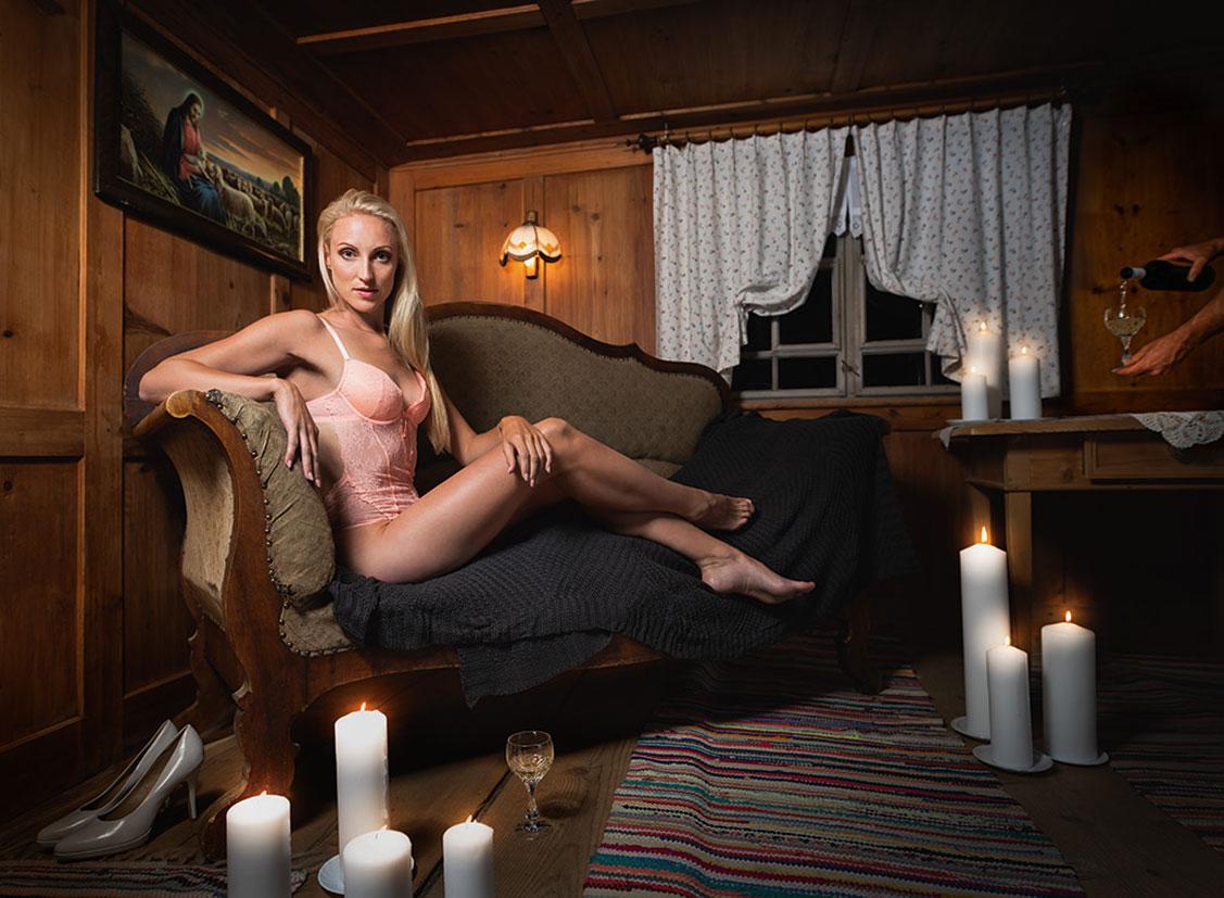 Баварские девушки в календаре JungBauernKalender / австрийская версия, декабрь - Марина из Зальцбурга