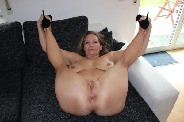 Naked mature tgp-1809