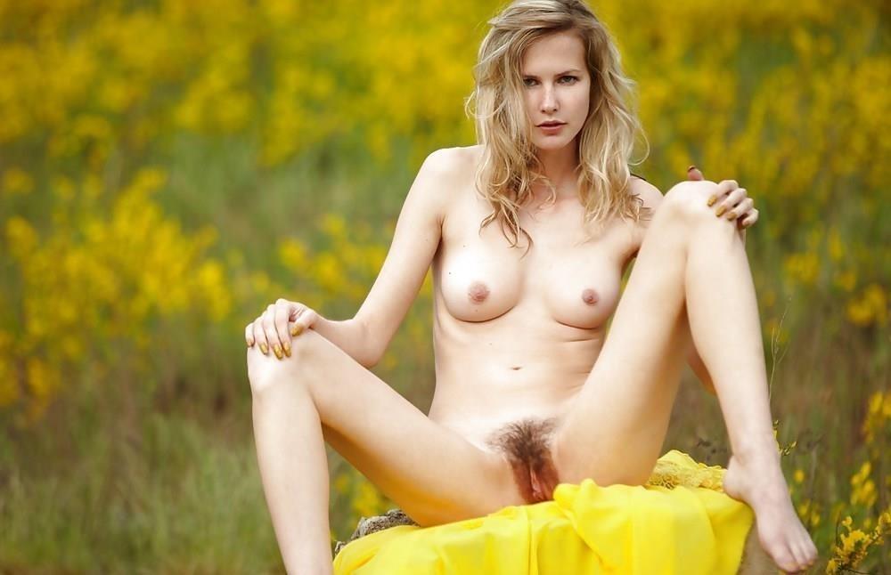 Blond girl sexy-3119