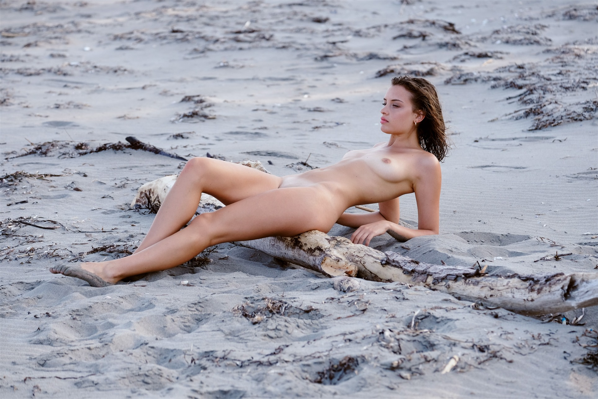 Private Beach / Gloria Fregonese by Adolfo Valente / Riven Magazine