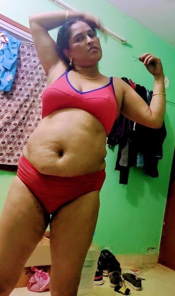 Reshma aunty nude-7929