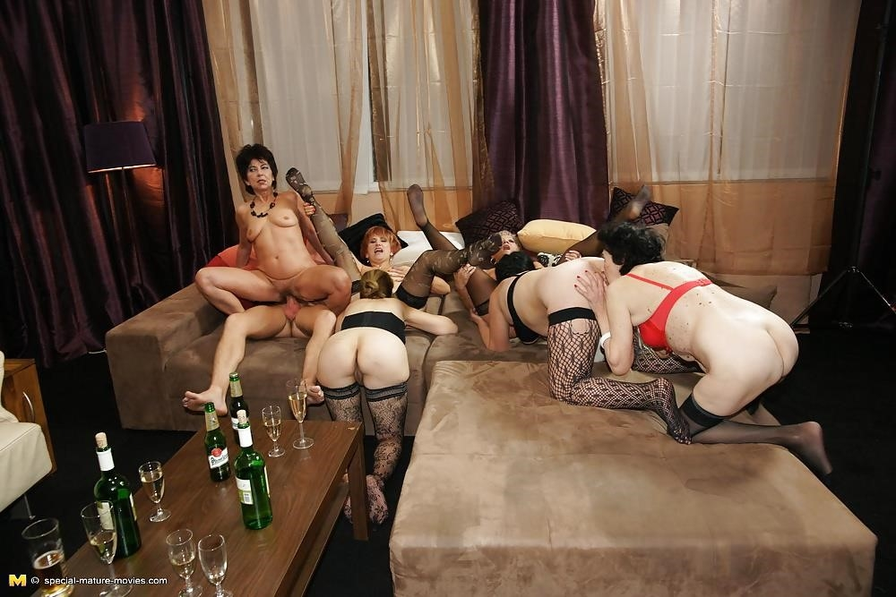 Group sex with mom-4005