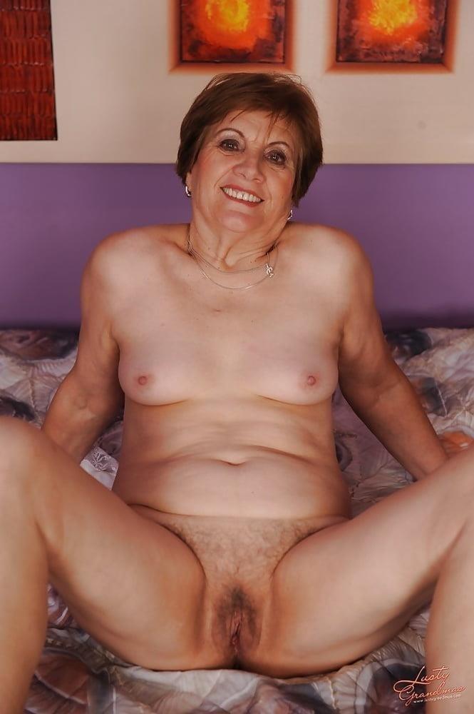 Lady granny free porn-8769