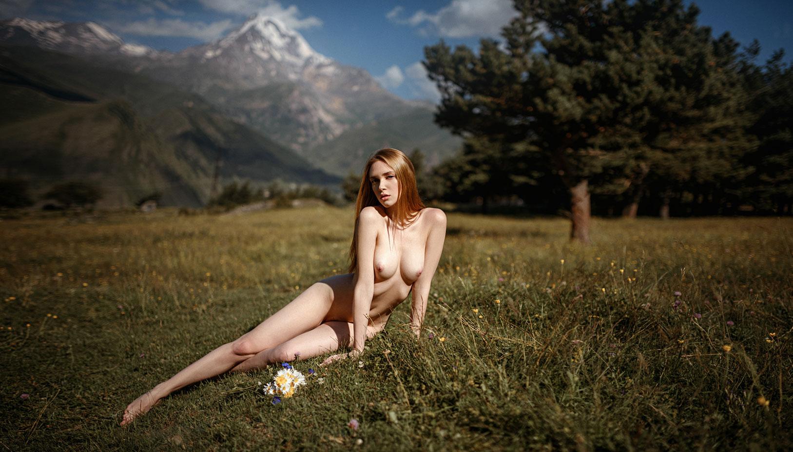 Сексуальные голые девушки на природе / фото 13