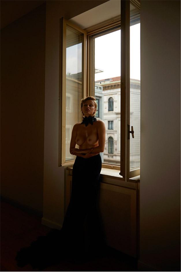обнаженная Ольга де Мар ждет наступления темноты / фото 12