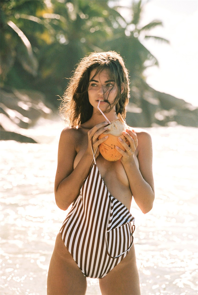 Robin Marjolein Holzken by Cameron Hammond / Faithfull the Brand swimwear 2018