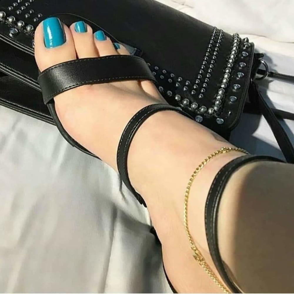 Brianna foot fetish-3884