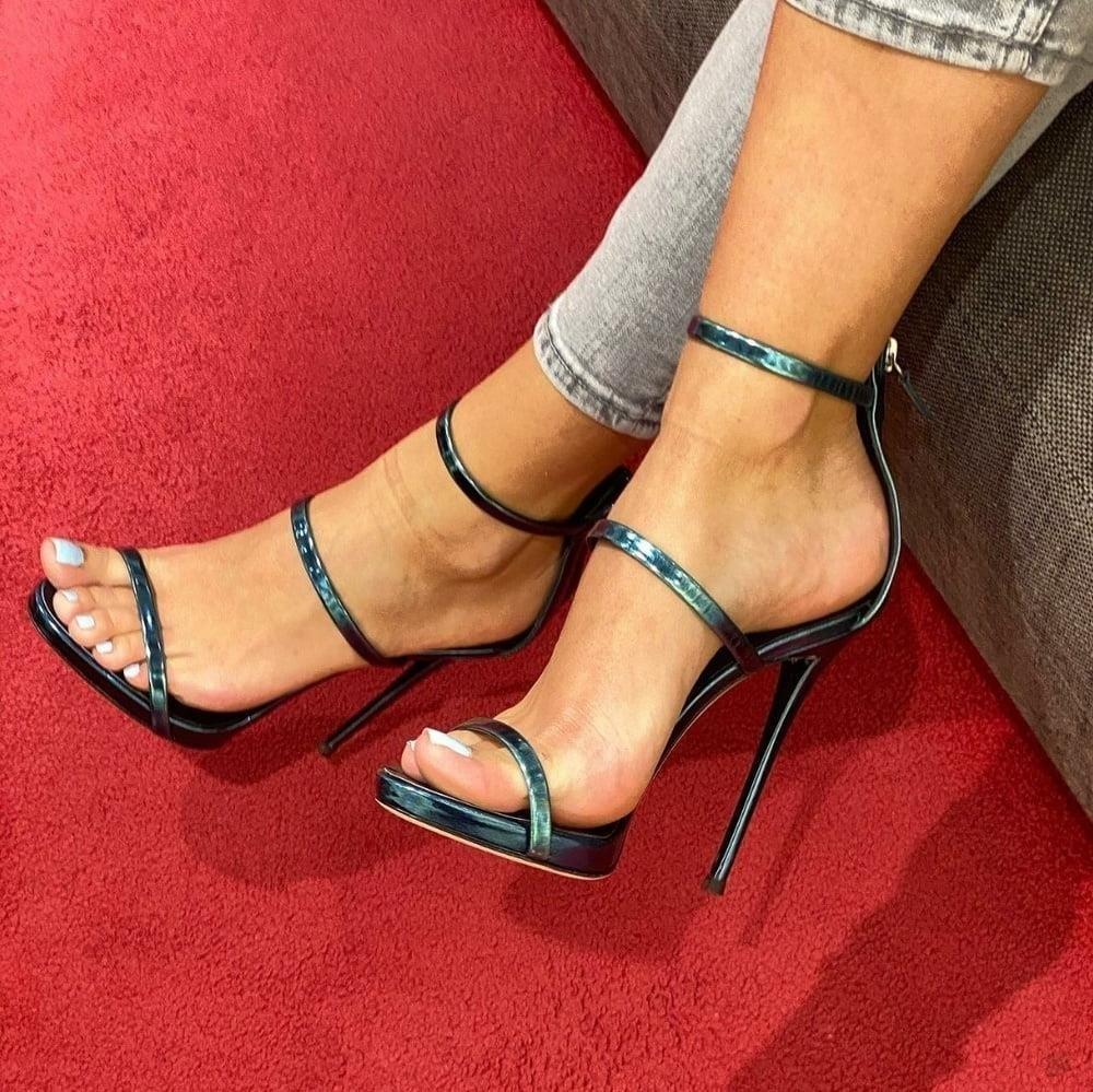 Hot feet domination-4627