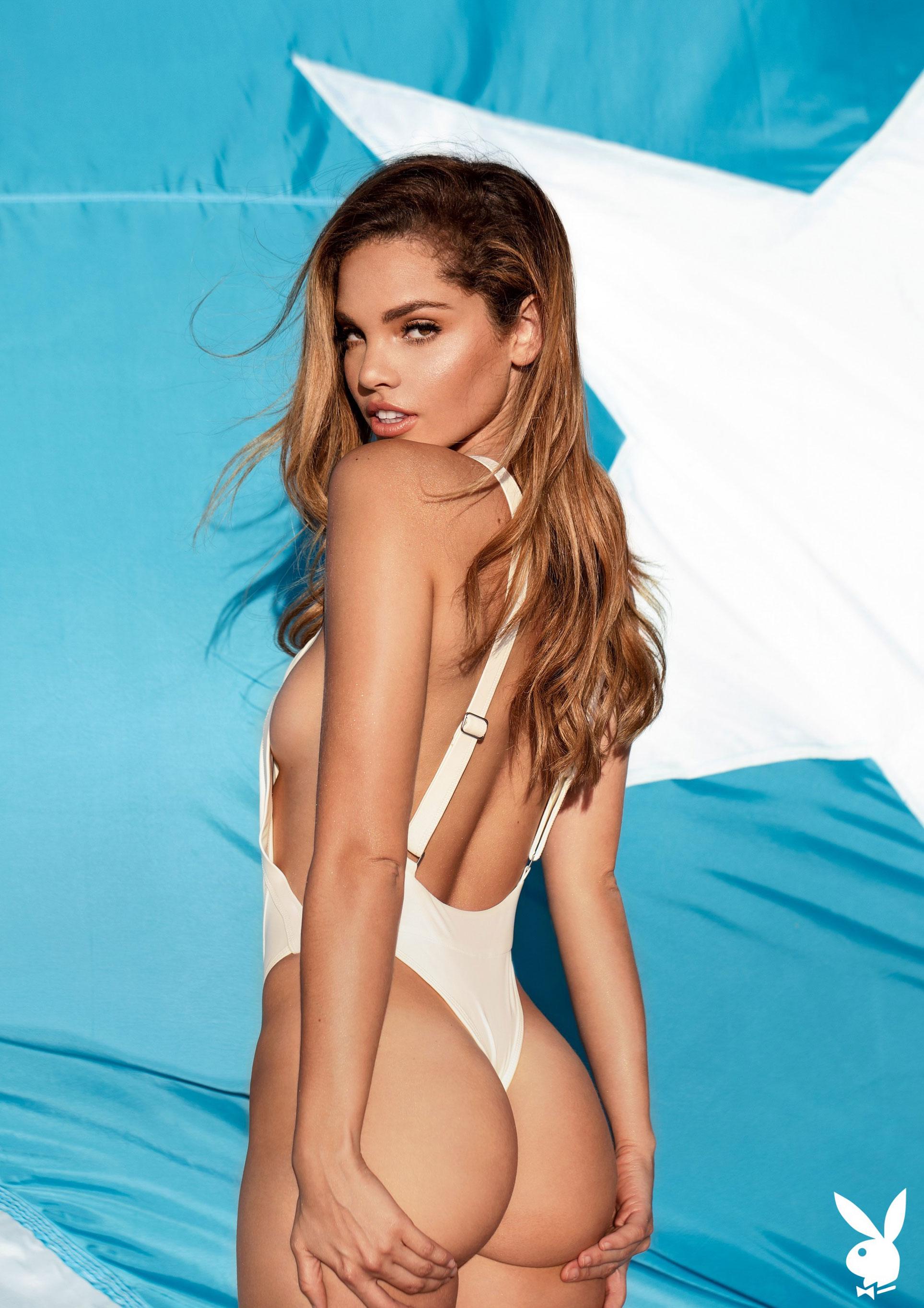 Мисс Июнь 2019 американского Playboy Йоли Лара / фото 13