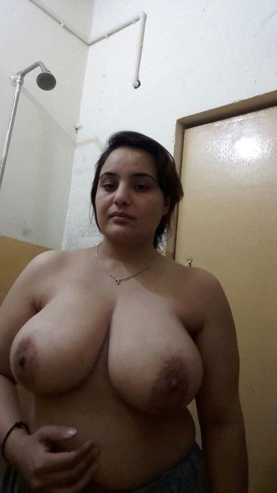 Big boobs lady pic-3882
