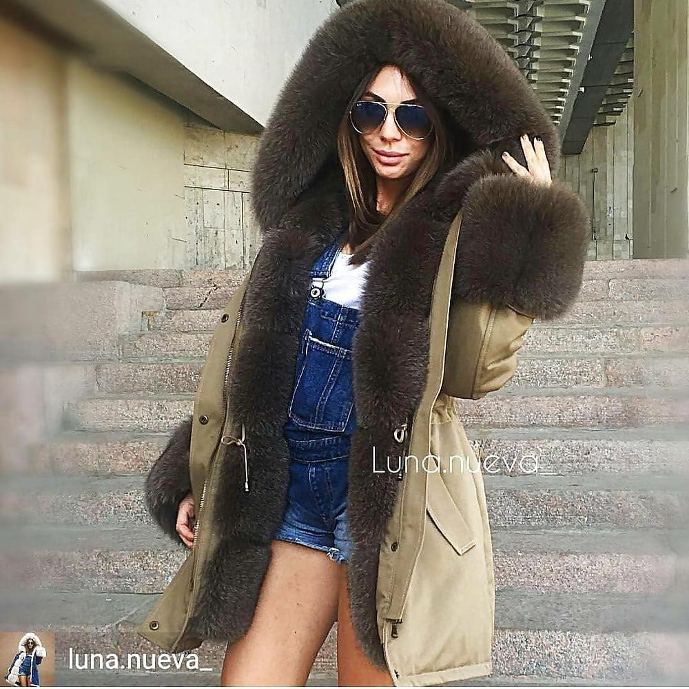 Jean jacket with brown fur-2620