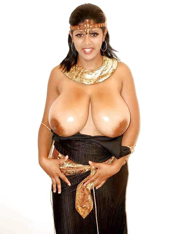 Sexy black girl with huge tits-4125