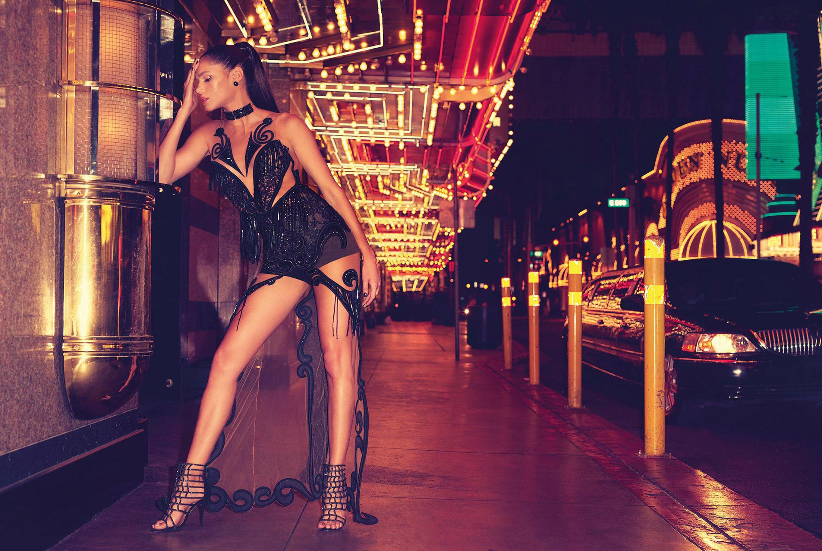 Даниэлла Понтес на вечеринке в Лас-Вегасе / фото 10