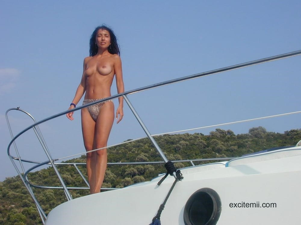 Wife naked on vacation-8111