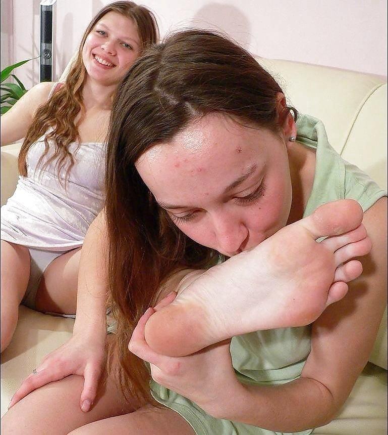 Japanese lesbian feet worship-3722